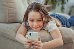 child-using-smartphone-intro-fintech.jpg