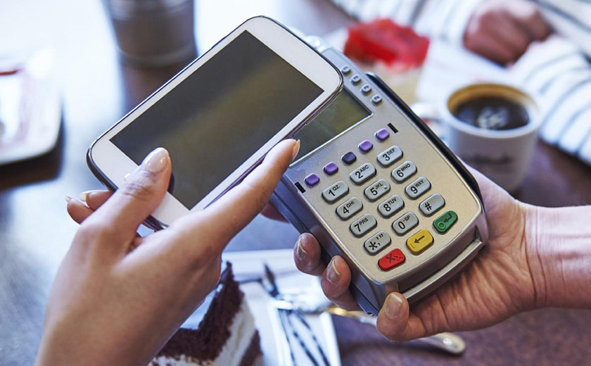Myer, Android pay, Apple pay, credit card, retail shopping, mobile payment