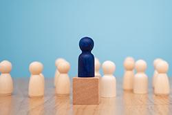 team-leader-hire-intro-fintech.jpg