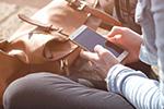 woman-mobilephone150.jpg